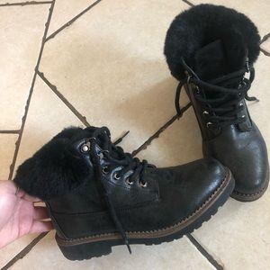 Black faux fur boots faux leather